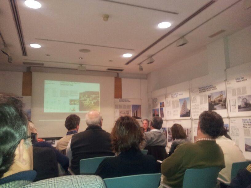 Conferencia de Francisco Candel en la clausura de la exposición DoCoMoMo
